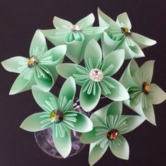 How to make a paper flower bouquet  via @Guidecentral - Visit www.guidecentr.al for more #DIY #tutorials