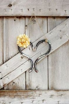 diy projects with horseshoes | ... when painted in bright turquoise. This would make a great DIY project