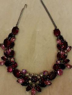 Vintage-Schiaparelli-Exquisite-Garnet-Red-Pink-Aurora-Rhinestone-Necklace