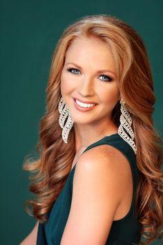 Taylor Woodruff - Miss North Dakota International 2016 Beautiful Redhead, Beautiful Smile, Most Beautiful Women, Pageant Hair, Beauty Pageant, Pageant Photography, Pageant Headshots, Beauty Shots, Face Hair