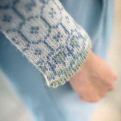 Norwegian Knitting, Fair Isle Pattern, How To Start Knitting, Darning, Knit Patterns, Fingerless Gloves, Arm Warmers, Ravelry, Hand Knitting