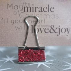 Glittered Card Holders - just use double stick tape, glitter and binder clips! Great for displaying cards or place card holders at a fancy dinner.