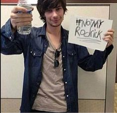 I FOUND THE PROVE!  OMG, He's siding with us!!! That's how you know that the 'current' Rodrick is THAT bad.