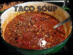 'Another one from my amazing cousin Kim!!!! Her sweet mother-in-law made it. Great for cold winter evenings!  <3 TACO SOUP <3  Ingredients: 2 lbs lean ground beef 1 medium yellow onion, chopped 2 15 oz cans stewed tomatoes - regular 1 10 oz can rotel tomatoes 1 14 oz can pinto beans 1 14 oz can ranch style beans 1 14 oz can corn kernels 2 cups chicken or vegetable broth 1 cup water Brown ground beef in large soup pot with salt, pepper, chopped onion and garlic powder.  Drain.  Put all the ot... Crock Pot Tacos, Slow Cooker Tacos, Crock Pot Soup, Crockpot Recipes, Soup Recipes, Cooking Recipes, Delicious Recipes, Yummy Food, Tasty
