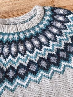 READY TO SHIP Light grey wool sweater / pullover / turquoise blue, emerald, ocean, white / rustic / lopapeysa Iceland sweater - Herzlich willkommen Icelandic Sweaters, Wool Sweaters, Easy Knitting Patterns, Sewing Patterns, Turquoise Pattern, Knit Leg Warmers, Alpaca Wool, Knitted Hats, Knit Crochet