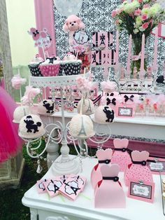 Amazing poodle treats at a Paris birthday party! See more party ideas at… Paris Themed Birthday Party, 10th Birthday Parties, 13th Birthday, Birthday Party Themes, Birthday Ideas, Parisian Party, Barbie Party, Puppy Party, Party Time