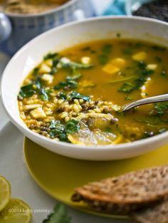 Lifting Lemon-Garlic Rice & Lentil Soup: Zingy Spring Meal!