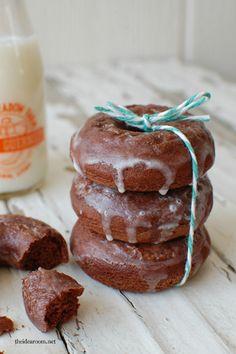 Chocolate Donut Recipe (Devil's Food Cake) | theidearoom.net