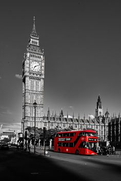 Splash Photography, London Photography, Color Photography, Big Ben, Cool Pictures, Cool Photos, Cute Black Wallpaper, London Painting, Planets Wallpaper