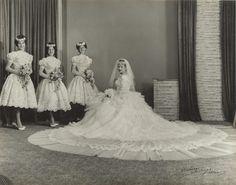 Chic Vintage Bride - Vinka Lucas http://bit.ly/1s4sHtV