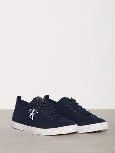 low priced a8e72 12b5e 30 bästa bilderna på Skor  Adidas sneakers, Ankle boots och