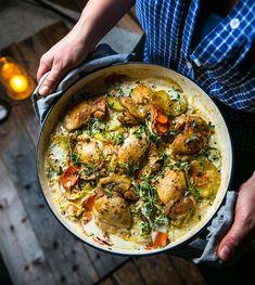 Kycklinggryta i ugn med potatismynt och morötter - Landleys Kök Sugar And Spice, Sweet Life, Lchf, Paella, Curry, Food Porn, Spices, Menu, Chicken