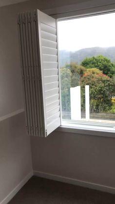 Home Decorations For Halloween Window Seat Kitchen, Window Grill, Kitchen Shutters, Modern Windows And Doors, Large Windows, Interior Window Shutters, Interior Windows, Sliding Door Window Treatments, Flur Design