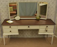 Stag Dressing table old white Stag Furniture, Annie Sloan Furniture, Mahogany Furniture, Paint Furniture, Furniture Makeover, Cool Furniture, Furniture Ideas, Upcycled Furniture Before And After, Cottage Chic