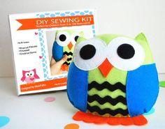 DIY kit, Owl Pillow Sewing Kit, Sewing Kit, Felt Sewing Kit,  Sewing Kit Box , DIY Sewing Kit, Kids Sewing Kit, Pre-Cut Felt Pieces   A679