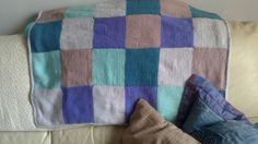 Mantita para Jaumet. 80 *100 cm. Tejido con 6 madejas(5 colores) de Uttacryl de Cheval Blanc