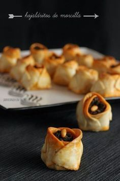 Perfect for those holiday leftovers. Delicious and easy to make! Appetizers For Party, Appetizer Recipes, Quiches, Brie, Spanish Dishes, Food Decoration, Mini Foods, Love Food, Holiday Recipes