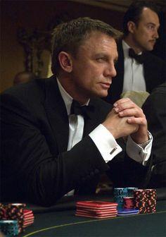 'Casino Royale' starring Daniel Craig as James Bond. James Bond Tuxedo, James Bond Style, Casino Royale, Rachel Weisz, Estilo James Bond, Richard Curtis, Daniel Graig, Daniel Craig James Bond, Craig Bond