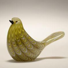 Barovier and Toso fenicio bird Murano glass figurine Sculpture Art, Sculptures, Sculpture Ideas, Glass Artwork, Glass Figurines, Venetian Glass, Glass Animals, Painted Paper, Little Birds