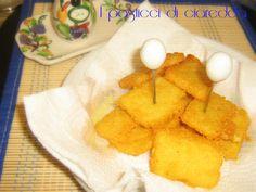 """Le sgagliozze baresi rappresentano il """"finger food"""" per eccellenza vendute in sacchetti di carta appena fritte dalle signore del centro storico in Bari vecchia."""