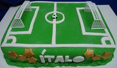 Bolo Campo de Futebol Decorado com Pasta Americana - Football Cake -  https://www.docemeldoces.com