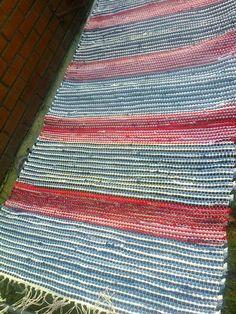 Rag Rugs, Recycled Fabric, Rug Making, Woven Rug, Loom, Weaving, Flooring, How To Make, Rug Weaves