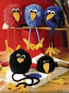How to make – Pom Pom Bird Craft – feather crafts Kids Crafts, Easter Crafts, Diy And Crafts, Christmas Crafts, Craft Projects, Arts And Crafts, Preschool Crafts, Pom Pom Crafts, Yarn Crafts