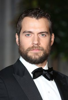 Let's begin with Henry Cavill, because there are very few beards that are as majestic and manly as this. | 19 Celebrity Beards That'll Sexually Awaken You