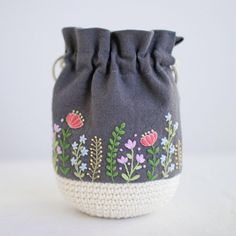 * . .... . . #刺繍#手刺繍#ステッチ#手芸#embroidery#handembroidery#stitching#needlework#자수#broderie#bordado#вишивка#stickerei