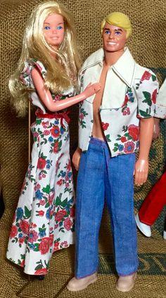Matching or coordinating outfits for Barbie and Ken were always popular in the These are cute; Play Barbie, Barbie I, Barbie World, Barbie And Ken, Barbie Clothes, 70s Outfits, Vintage Outfits, Vintage Barbie, Vintage Dolls