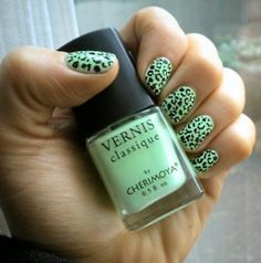green leporad print nails