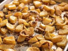 Get Tuscan Roasted Potatoes & Lemon Recipe from Food Network- thyme instead of rosemary? Potato Sides, Potato Side Dishes, Savoury Dishes, Food Dishes, Fruit Dishes, Veggie Dishes, Food Food, Ina Garten Roasted Potatoes, Lemon Roasted Potatoes