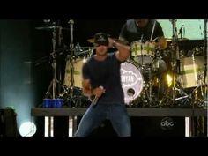 "Luke Bryan - ""Country Girl"" (Shake It For Me) - http://music.onwired.biz/country-music-videos/luke-bryan-country-girl-shake-it-for-me-2/"