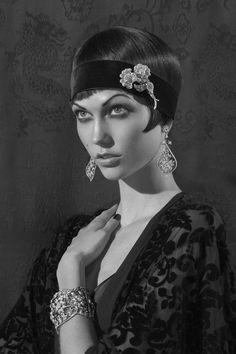 Very nice vintage / film noir look.
