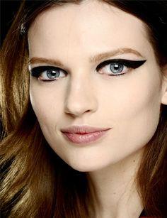 Make Up Eyeliner: Cat's Eye innovativi ~ Miss Klaire