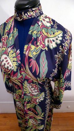 Gorgeous 1940s  Hawaiian rayon Pake Mu, unusual design with front opening and open front with collar, vintage Hawaii