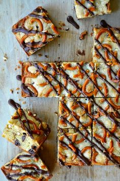 Pretzel Chocolate Chip Cookie Bars - These bars look delicious! I can never resist the sweet-salty stuff! :)