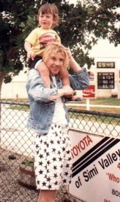 awwwwww....steve clark. i just love rare pics like these!