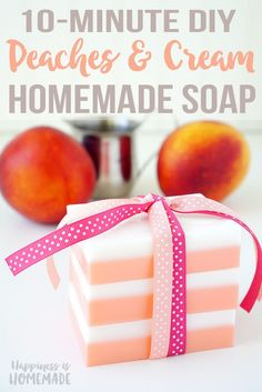 This Peaches and Cream Soap smells incredible, and you can whip up a batch in just a few minutes! Makes a great DIY homemade holiday gift idea! homemade gift DIY Peaches and Cream Soap Handmade Soap Recipes, Soap Making Recipes, Handmade Soaps, Diy Soaps, Diy Savon, Easy Homemade Gifts, Homemade Soap Bars, Sent Bon, Diy Holiday Gifts