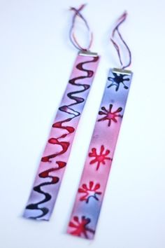 Tie-dyed bookmarks with batik glue designs. #books // Classic Tie Dye Camp Crafts with A Twist | Family Your Way