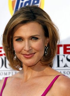 BRENDA STRONG HAIRSTYLE THAT I LOVE Brenda Strong, Strong Hair, Find Picture, Celebs, Celebrities, Bob, Girly, Actors, My Style