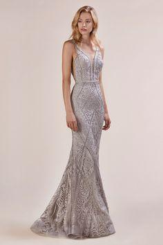 Silver Evening Gowns, Silver Gown, Stunning Dresses, Elegant Dresses, Black Wedding Gowns, Elegant Wedding, Prom Dresses For Sale, Gowns Of Elegance, Playing Dress Up