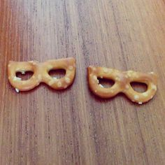 New startup: Edible glasses!  #planefood #glasses #pretzels #tlv