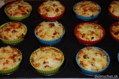 Fotorecept: Zapekaný syr s karfiolom ako muffiny Sushi, Food And Drink, Pizza, Breakfast, Ethnic Recipes, Cupcakes, Fit, Morning Coffee, Cupcake Cakes
