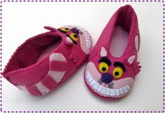 0ddb5810f1 Sapatinho gato risonho da Alice no País das Maravilhas com molde