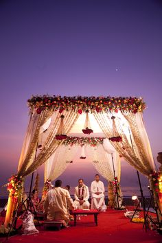 Most Breathtaking Open-Air Mandap Designs To Inspire And Wow You You are in the right place about wedding decorations white Here we offer you the most beautiful pictures about the autumn wedding decor Wedding Ceremony Ideas, Desi Wedding Decor, Wedding Hall Decorations, Marriage Decoration, Wedding Mandap, Wedding Receptions, Arch Wedding, Maroon Wedding, Ceremony Arch