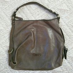 """EUC Cole Haan Army green almost a brownish color Like new condition No marks or damage Hobo/shoulder bag 16"""" wide 14"""" tall Cole Haan Bags Hobos"""