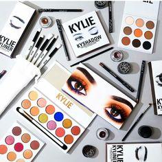 Kylie make up palette Make Up Kits, Kiss Makeup, Love Makeup, Beauty Makeup, Makeup Geek, Simple Makeup, Maquillaje Kylie Jenner, Cindy Crawford Skin Care, Halloween Makeup Kits