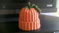 Ravelry: Ribbed Pumpkin Hat pattern by Sarah McPherson craftiness-crochet