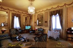 #le #metropole #hotel #royal #suite